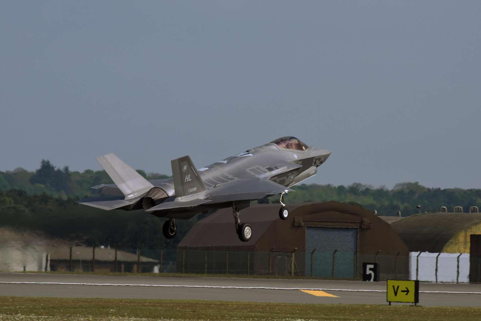 Lockheed Martin F-35A Lightning II   (sn 14-5098)