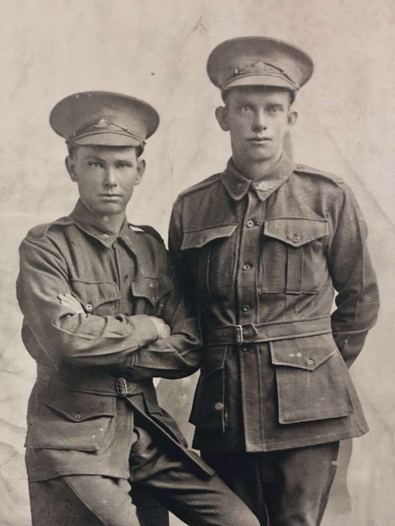 These two Australian soldiers could be brothers William Henry Dunn and James Richard Dunn - WW1