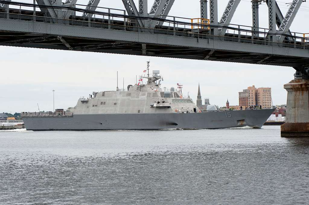The Littoral Combat Ship USS Billings (LCS 15) makes