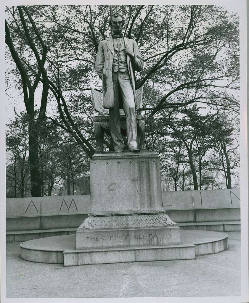 Abraham Lincoln, The Man statue by Augustus Saint-Gaudens, Lincoln Park, Chicago, early to... (NBY 3046)