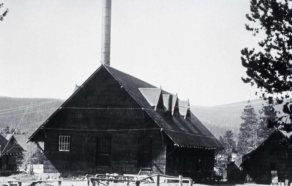 Yellowstone Park Hotel Company laundry at Old Faithful; Haynes; 1917
