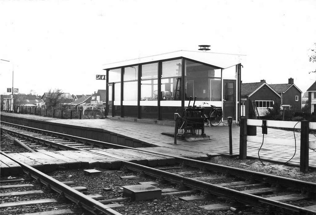 HUA-150655-Gezicht op het N.S.-station Sappemeer Oost te Sappemeer