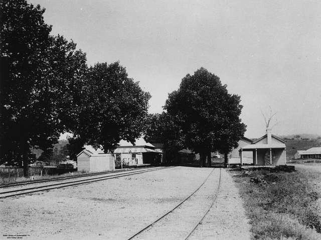 StateLibQld 1 111036 Grandchester railway station, ca. 1915
