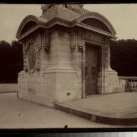 Socle Place de la Concorde (8e)