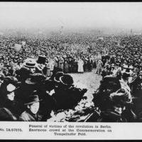 Enormous crowd at the commemoration on Tempelhofer Feld