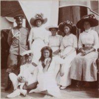 Romanov daughters on yacht