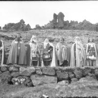 Menn í fornmannabúningum á Alþingishátíð 1930