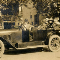 Koreshan Unity members in an unidentified car in Fort Myers, Florida