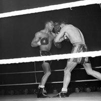 Boxing : Dennis Powell v Mel Brown (USA)