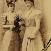 Grand Duchess Elisaveta Feodorovna (right) and her maid of honor Princess Lobanova-Rostovskaya (Fafka).